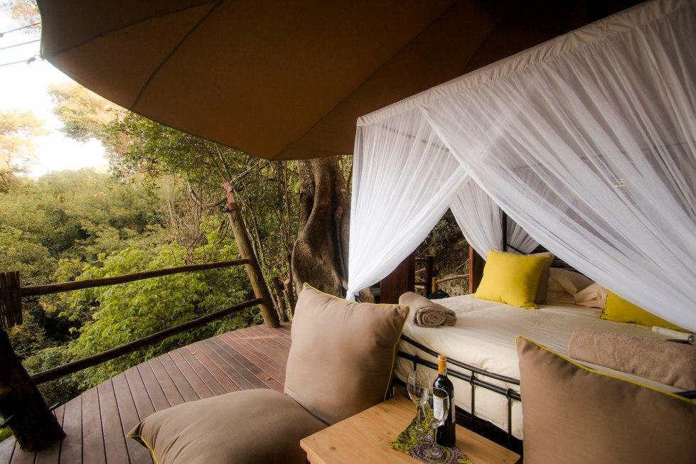 rubondo-island-camp-treehouse-guest-bedroom-eric-frank-mr
